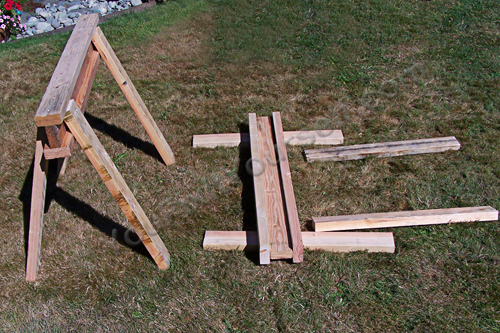 how to build simple but sturdy sawhorses handyman tips. Black Bedroom Furniture Sets. Home Design Ideas
